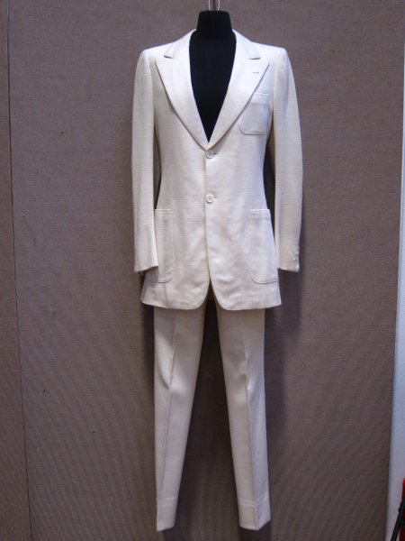 Белый костюм Джона Леннона с обложки Abbey Road будет выставлен на аукцион