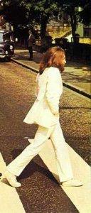 Костюм Джона Леннона для обложки альбома Abbey Road продан за $46 тысяч