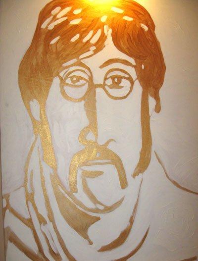 В Екатеринбурге открывается выставка 'Леннон с нами'