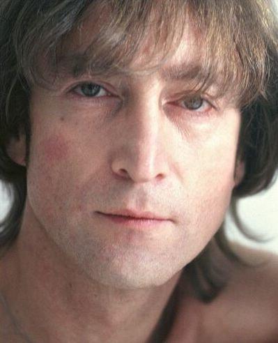 Барнаульцам покажут спектакль о жизни и творчестве Джона Леннона