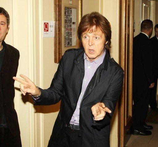 """Пол Маккартни получил награду журнала """"Q"""" за альбом """"Band On The Run"""""""