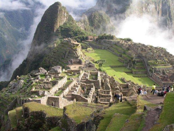 Перуанцы пригласили Маккартни, Боно и Стинга выступить в 'потерянном городе инков'