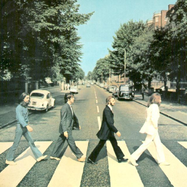 Пять альбомов The Beatles за сутки попали в чарт iTunes